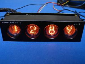 Lamptronのニキシー管ファンコン「FC10」